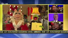 VerleihungDerGoldenenKamera-MissPiggy&Kermit-(2012-02-04)