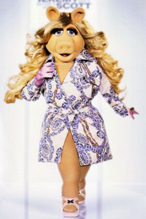 Miss-piggy-in-jeremy-scott
