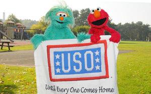 USO-Elmo&RositaEducationTour-Germany2010-Sesame 1