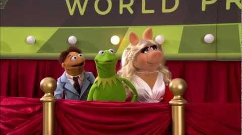 Walter, Kermit & Miss Piggy Interviewed at The Muppets World Premiere!