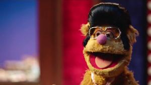 TheMuppets-S01E08-Fozzie-ElvisPresley