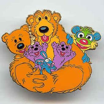 File:Beargrouppin.jpg
