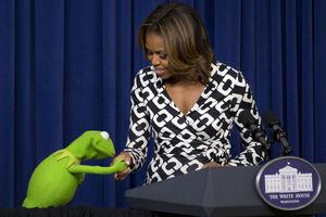Kermit kisses Michelle Obama