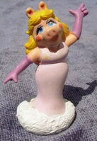 Miniland 1995 portugal pvc muppet miss piggy