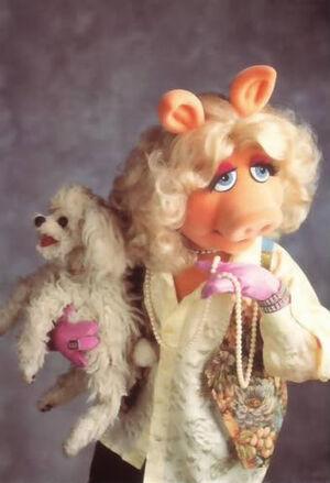 Miss Piggy Foo Foo pearls