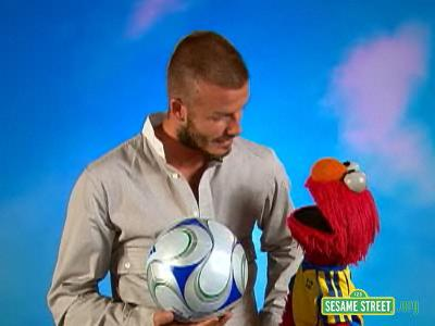 File:Backstage with Elmo - David Beckham.jpg
