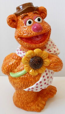Treasure craft cookie jar fozzie bear 1