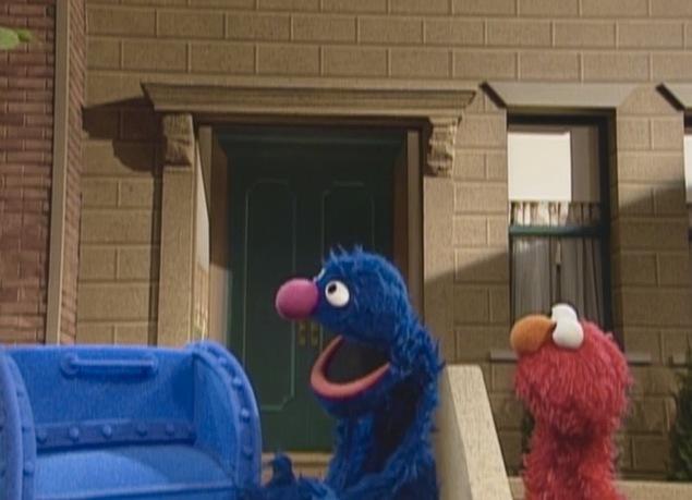 File:ElmoGrover.mailbox.jpg