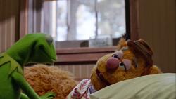 TheMuppets-S01E03-Fozzie'sLoweredEyelids