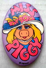 Walt disney world miss piggy button