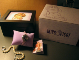Fossil miss piggy watch set 2