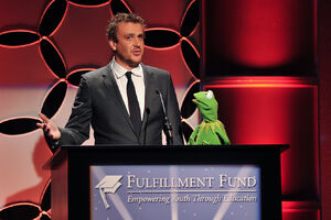 STARS Jason Segel and Kermit
