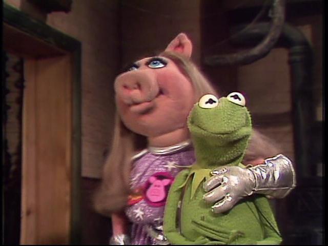 File:Piggy&kermit.JPG