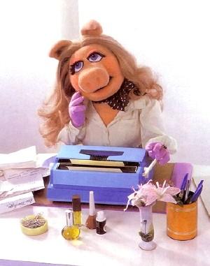 File:Piggytypewriter.jpg