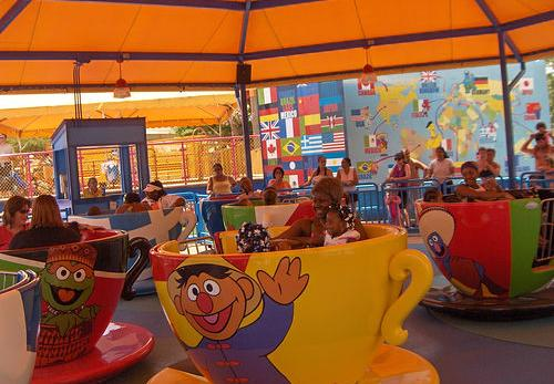 File:Sesame Place - Tea-Cups.JPG