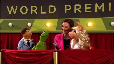 "Amy Adams and Jason Segel Join Kermit and a ""Diva"" Miss Piggy at the Muppets Premiere!"