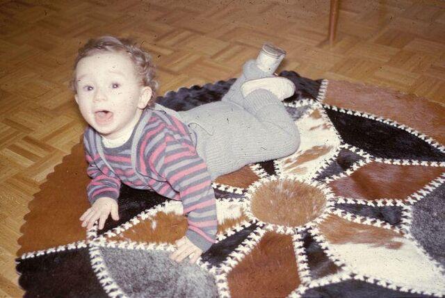 File:60er Teppich Mit Peter Suschny.jpg