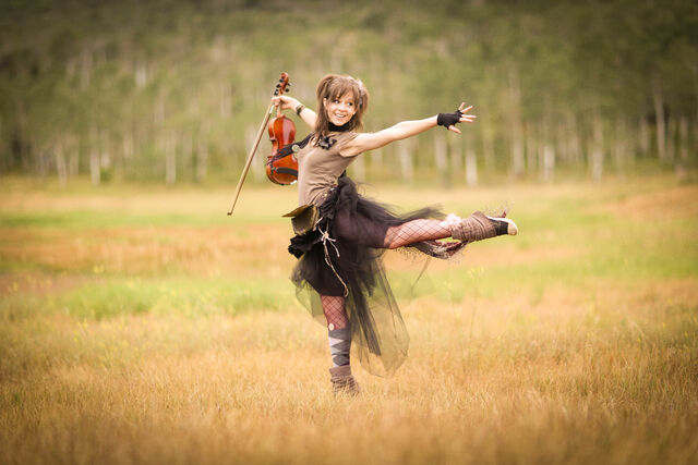File:Lindsey dancing in the field.jpg
