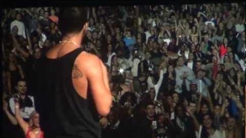 Drake 'Shoutouts To The Crowd' 1080p HD Club Paradise Tour 2012 Kansas City, MO 3.1