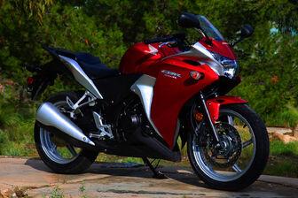 2011-Honda-CBR250R-1