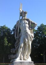 424px-Nymphenburg-Statue-3c