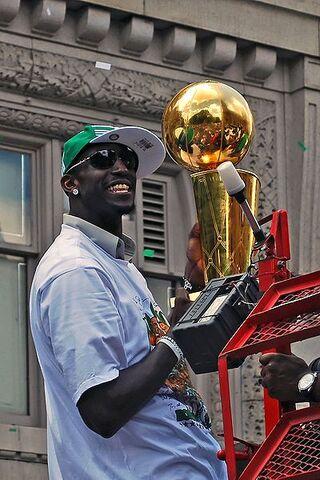 File:Celtics Rolling Rally.jpg