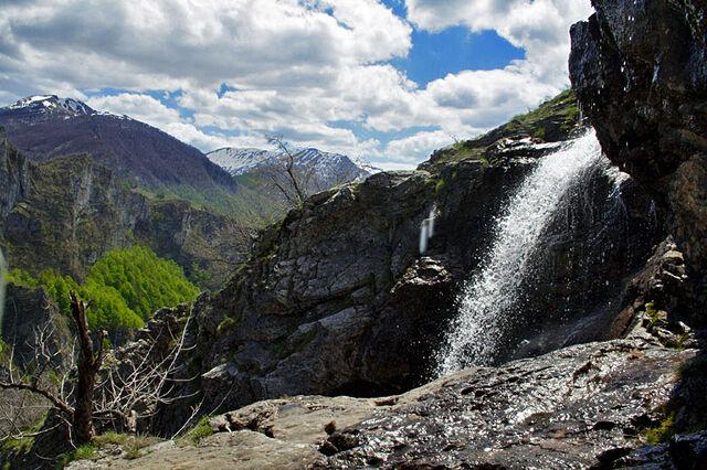 File:- !!! - Vodopad Studeni potok - 16475908.jpg