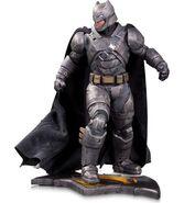 Batman-v-Superman-Dawn-of-Justice-statue-3