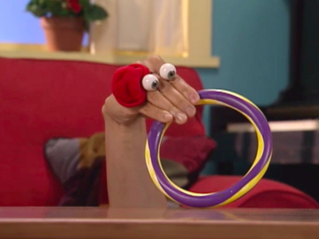 File:Oobi Kako Noggin Nick Jr. TV Series 10.png