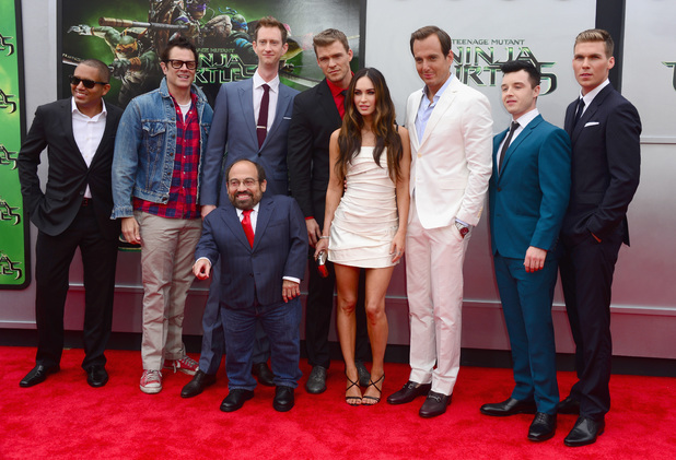 File:Movies-tmnt-premiere-cast.jpg