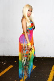 Nicki-minaj-2012-aria-awards-australia6