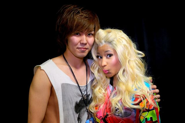 File:MeetandGreet Osaka Nicki Barbz2.jpg