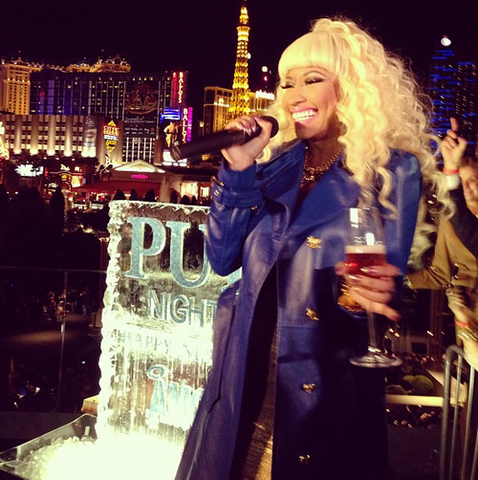File:Nicki at pure 6.png