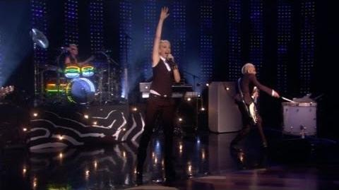 No Doubt Performs 'Settle Down'