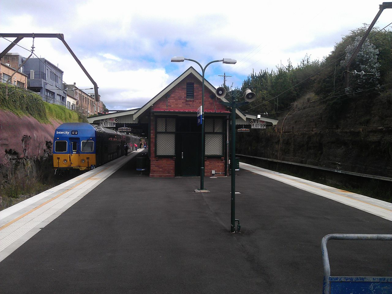 Lithgow train station