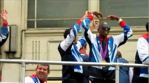 London 2012 Victory Parade - Mo Farah does the Mobot!