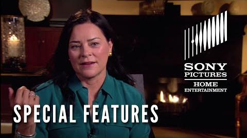 OUTLANDER Special Features Clip - Diana Gabaldon's First Visit to the Set
