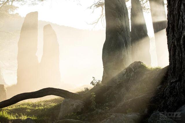 File:Craigh-na-Dun-Outlander Gallery5 wm.jpg