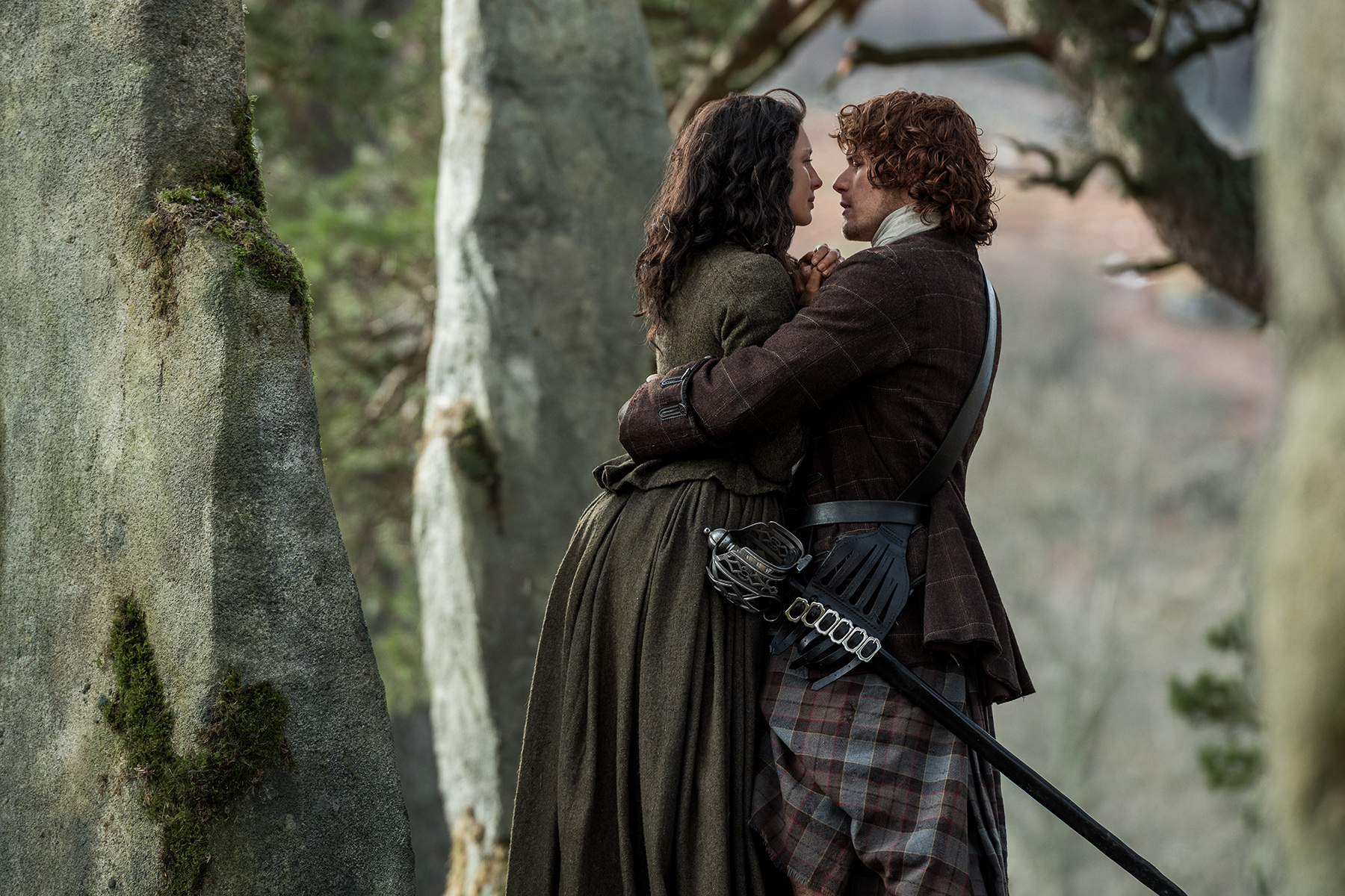 Claire and Jamie in Outlander TV series.