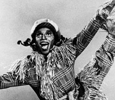 File:Hinton Battle as the Scarecrow.jpg