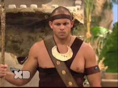 File:Pair of Kings S01E19 The Trouble With Doubles 54.jpg
