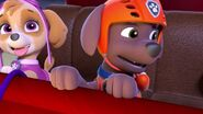 PAW.Patrol.S01E16.Pups.Save.Christmas.720p.WEBRip.x264.AAC 1218017