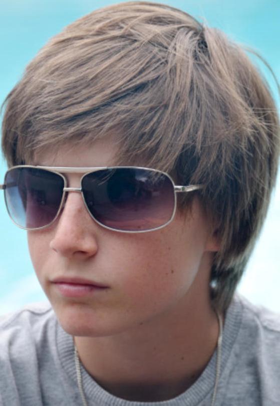 Модная причёска для подростка