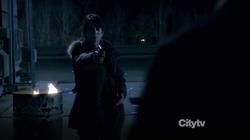 1x20 - Shooting Reese