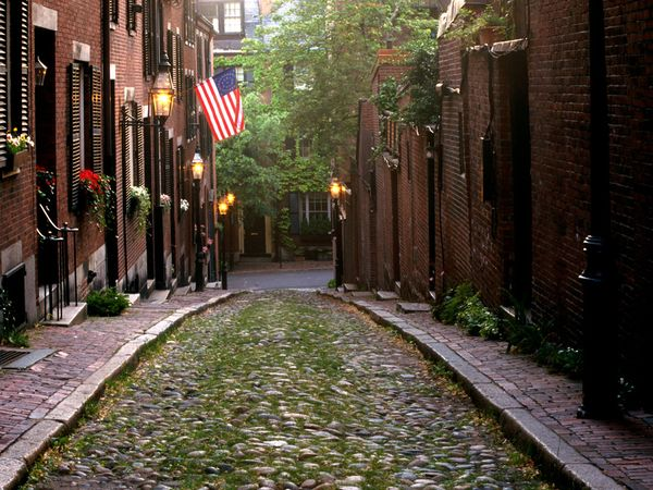 File:Acorn Street in Boston.jpg