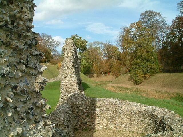 File:800px-Berkhamsted castle walls.JPG
