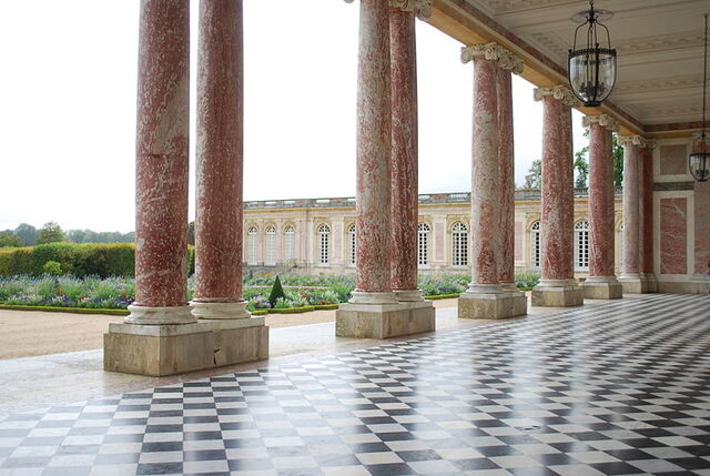 File:800px-The Grand Trianon Castle in Summer.JPG
