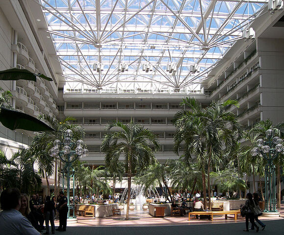File:Atrium at Orlando International Airport.jpg