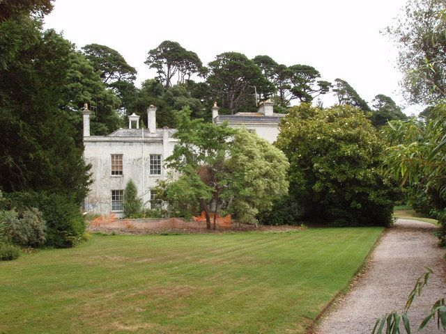 File:Greenway House, where Agatha Christie used to live.jpg
