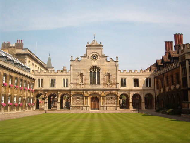 File:Cambridge Peterhouse OldCourt.jpg